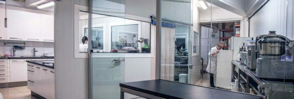 Laboratorio alimenticio, soporte técnico para la elaboración de conservas